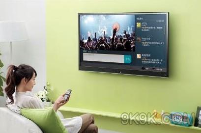 越来越多的都会一边看电视
